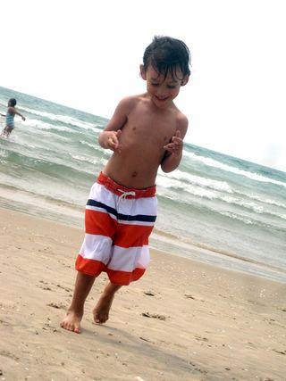 Sandbanks 2011 dancing boy1